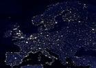 Foto a terra a noite - áreas urbanizadas na Europa