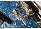 Foto astronauta na estação espacial