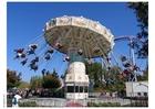 Foto carrossel no parque de diversãoes