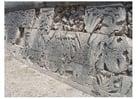 Foto Chichen Itza - friso na parede de um estádio