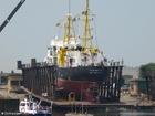 Foto navio em doca seca
