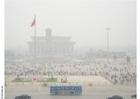 Foto Praça da Paz Celestial com neblina e poluição