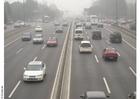 Foto rodovia com poluição em Pequim