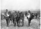 Foto soldados britânicos feridos