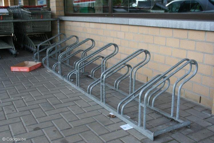 Resultado de imagem para suporte para bicicletas